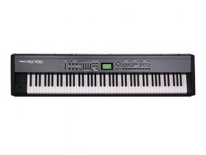 Roland RD700