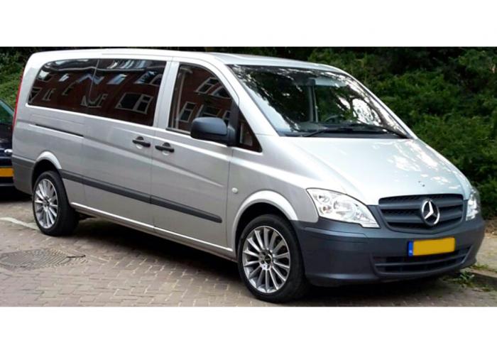 Mercedes Benz Vito 5 Seater Automatic Airco Cruise
