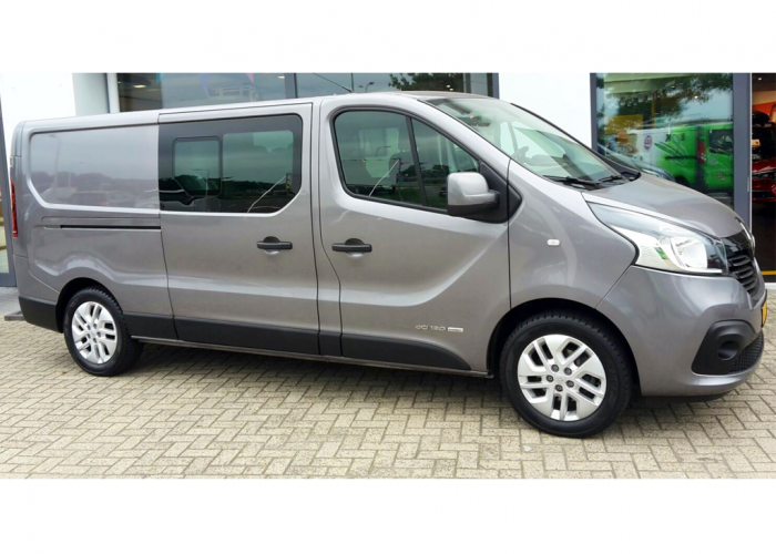 Renault Trafic 5 Seater - Tour Support Service Europe Amsterdam Netherlands Artist on the Road