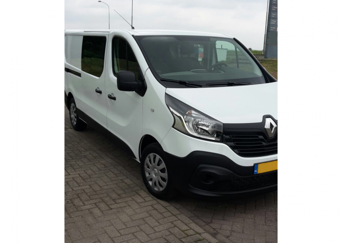 Renault Trafic 6 Seater Airco, Cruise, Navigation