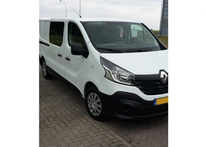 Renault Trafic 6 Seater Airco, Cruise, Navigation