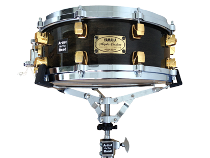 """Yamaha Maple Custom Black Air Seal System (brass hardware accents) 14x5"""" Snare Drum"""